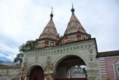 Suzdal, Russland Heiliges Flugsteig 1688 Rizopolozhensky-Kloster - eins der wahrnehmbarsten Meisterwerke der Suzdal-Architektur Lizenzfreies Stockfoto