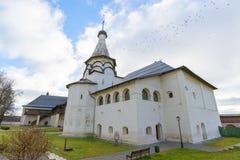 Suzdal Ryssland -06 11 2015 Den Uspensky matsalkyrkan på Suzdal byggdes det 16th århundradet Guld- cirkel av det Ryssland loppet Arkivbild