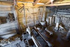 Suzdal Ryssland - November 06, 2015 inre av bondehus i museumträarkitektur Royaltyfri Foto