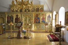 Suzdal Ryssland -06 11 2015 Suzdal Ryssland -06 11 2015 Iconostasisen i den Zachatievsky kyrkan Guld- Ring Travel Arkivfoto