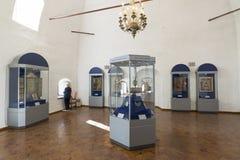 Suzdal Ryssland -06 11 2015 Utställning av ryska symboler i kloster för St Euthymius i Suzdal Guld- cirkel av det Ryssland loppet Arkivbilder