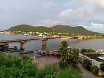 Suzhoubrug - de spanwijdte Giang Thanh River van Pretbruggen royalty-vrije stock afbeeldingen