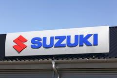 Suzuki logo på en byggnad Royaltyfria Bilder