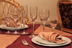 słuzyć stół Zdjęcie Royalty Free