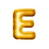 Svälla alfabetet för guld- folie för bokstav E 3D det realistiska Royaltyfri Foto