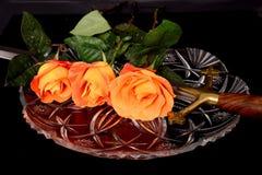 Svärd och rosor fotografering för bildbyråer