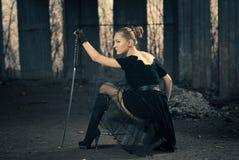 svärdkvinna royaltyfria foton