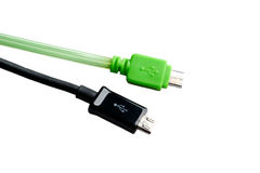 Svärta och göra grön tråd USB som mikroUSB isolerade Fotografering för Bildbyråer