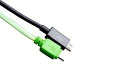Svärta och göra grön tråd USB som mikroUSB isolerade Arkivbilder