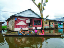 Sväva byn av Belen i Peru Arkivbilder