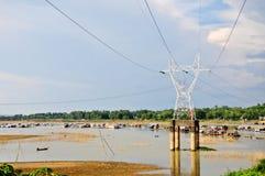Sväva byn på den LaNga floden i Donai, Vietnam Arkivfoto