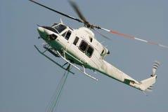 sväva för helikopter Fotografering för Bildbyråer