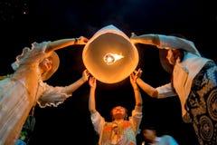 Sväva lampan på himmel Royaltyfri Foto