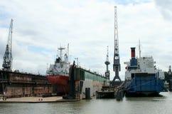 Sväva skeppsdockan i porten av Rotterdam Arkivbild