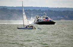 Svävfarkostbortgångyacht, öreklamblad, Southsea, Gosport till Ryde Royaltyfri Foto