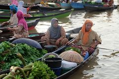 Sv?va marknaden p? Banjarbaru s?dra Kalimantan Indonesien royaltyfri foto