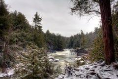 Svalan faller delstatsparkvattenfallet arkivfoton
