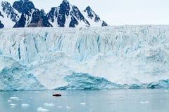 Svalbard glaciär royaltyfri fotografi