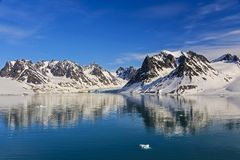 Svalbarden fjords Magdalenafjord fotografia royalty free
