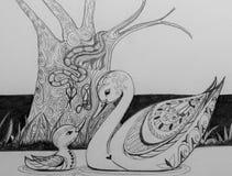 Svan och hennes cignet som är glömska av besatt orm stock illustrationer