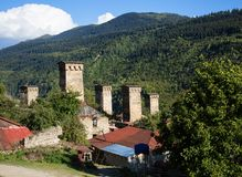 Svan watchtowers i Georgia Royaltyfria Bilder