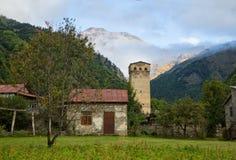 Svan watchtowers i Georgia Royaltyfri Bild