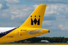 Svans för Monarch Airlines flygbuss A321 royaltyfri foto