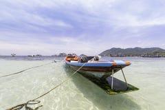 Svansfartyg med havet KOH TAO Island thailand askfat Arkivfoto