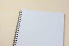 Svart anteckningsbok Realistisk mallanteckningsbok Design för tom räkning Royaltyfri Bild