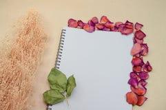 Svart anteckningsbok Realistisk mallanteckningsbok Design för tom räkning Royaltyfria Foton