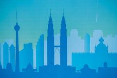 Svart arkitektonisk byggnadssymbol för Cityscape stil för designkonturlägenhet på blå bakgrundsillustration Royaltyfria Foton
