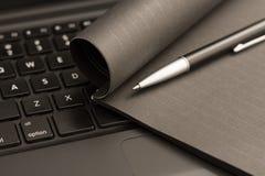 svart bärbar dator arkivbild