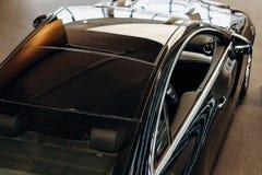 Svart bästa sikt för sportbil royaltyfri fotografi