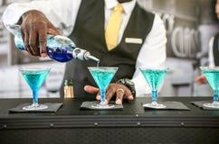 Svart bartender Fotografering för Bildbyråer