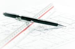 svart blyertspennaplanlinjal Royaltyfri Fotografi