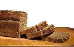 Svart bröd med skivade skivor Royaltyfri Fotografi