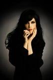 svart brunettmodekvinna royaltyfri fotografi