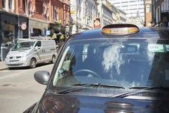 svart cab Arkivbilder