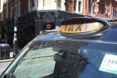 svart cab Royaltyfri Bild