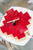 svart cakevinbärefterrätt Arkivfoto