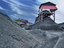 Svart coalmining och produktion i asia Arkivbilder