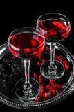 svart coctail för bakgrund Royaltyfria Bilder