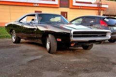 Svart Dodge uppladdare 400 RT 1970 Royaltyfri Bild