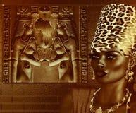 Svart egyptisk gudinnadrottning Leopardtryckkrona Royaltyfri Fotografi
