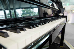 svart elfenben keys pianowhite Fotografering för Bildbyråer