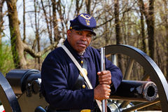 Svart federal soldat Reenactor On Guard Royaltyfri Foto
