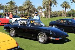 Svart ferrari för klassiker sportbil med andra Royaltyfria Bilder