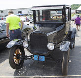 Svart Ford Model T bil Royaltyfri Bild