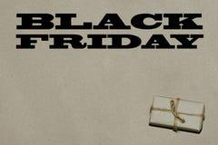 Svart fredag varm försäljning Inskriften är svarta fredag på hantverket Fotografering för Bildbyråer