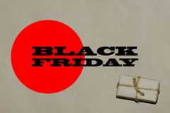 Svart fredag varm försäljning Inskriften är svarta fredag på hantverket Arkivbilder